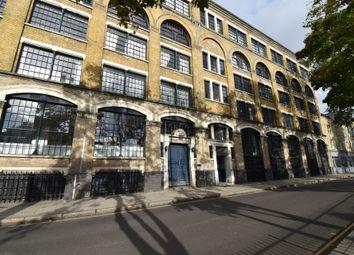 2 bed flat to rent in Long Lane, London SE1