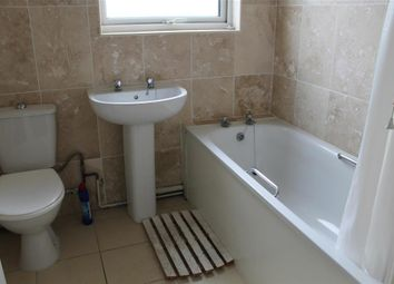 Thumbnail 3 bed flat to rent in Summerlands Road, Fair Oak, Eastleigh