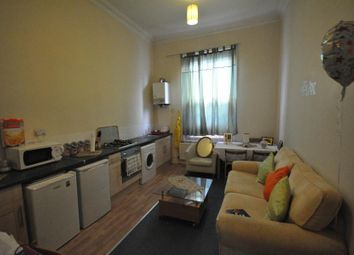 Thumbnail 1 bed flat to rent in Blenheim Terrace, University, Leeds