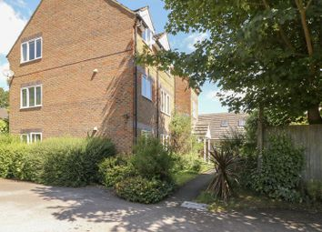 Thumbnail 1 bed flat for sale in Sunninghill Road, Sunninghill, Ascot