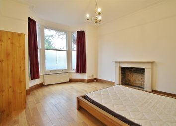 3 bed maisonette to rent in Thornbury Road, Osterley, Isleworth TW7