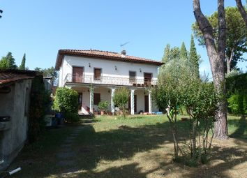 Thumbnail 5 bed villa for sale in Lucca (Town), Lucca, Tuscany, Italy