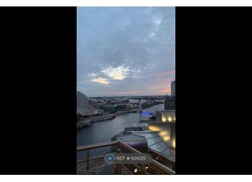 2 bed flat to rent in The Quays, Manchester M50