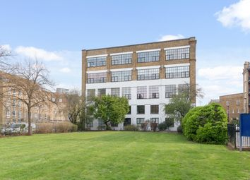 Thumbnail 1 bed flat to rent in Chimney Court, Brewhouse Lane, Wapping, London