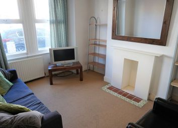 1 bed maisonette to rent in Pevensey Road, London SW17