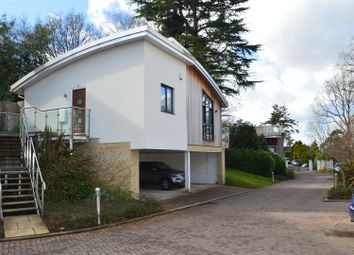 2 bed flat to rent in Kentish Gardens, Tunbridge Wells, Kent, England TN2