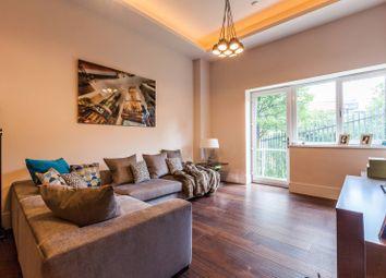 Thumbnail 2 bed flat to rent in Manhattan House, Ealing