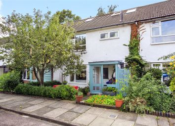 Hanover Close, Kew, Surrey TW9. 4 bed terraced house for sale