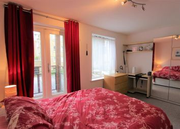 Thumbnail 6 bed shared accommodation to rent in St. Davids Square, London