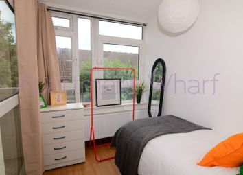 Room to rent in Manchester Road, London E14