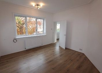 Thumbnail 3 bed flat to rent in Broad Walk Lane, Golders Green Road, London