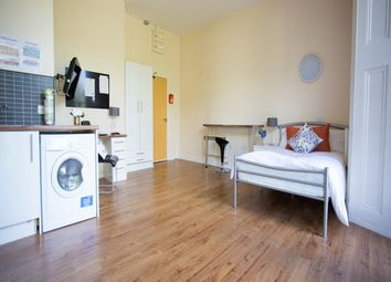 Thumbnail Studio to rent in Premium Studio, Daisybank Villas, Manchester
