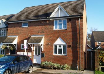 Thumbnail 1 bed flat to rent in Lowe Close, Crawley