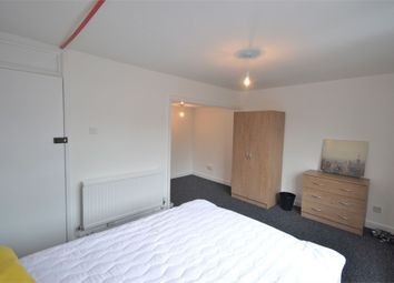 Thumbnail Room to rent in Brockles Mead, Harlow, Essex