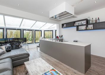 Thumbnail 1 bed flat for sale in River Road, Taplow, Maidenhead