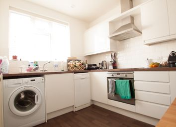 2 bed maisonette to rent in High Road, Whetstone N20