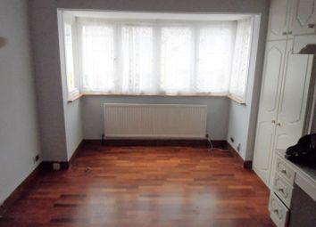 Thumbnail Room to rent in Hepworth Road, London