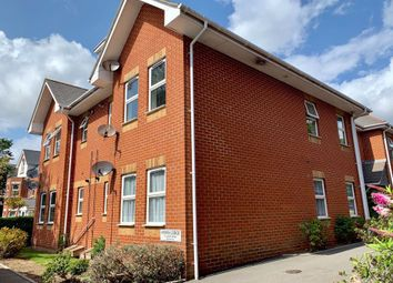 2 bed flat to rent in Alton Road, Bournemouth BH10