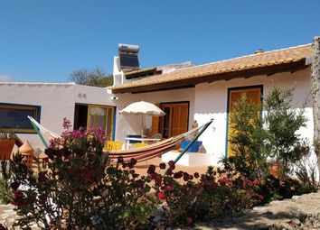 Thumbnail 3 bed villa for sale in Portugal, Algarve, Salema