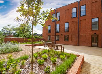 Thumbnail 2 bed flat for sale in Sycamore Road, Amersham