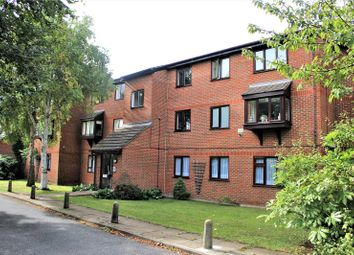 Thumbnail 2 bed flat to rent in Northcott Avenue, Wood Green, London