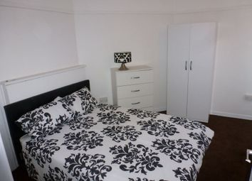 Thumbnail Room to rent in Bredel House, Mile End / Bow