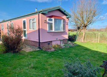 Thumbnail 2 bedroom mobile/park home for sale in Swavesey, Cambridge, Cambridgeshire