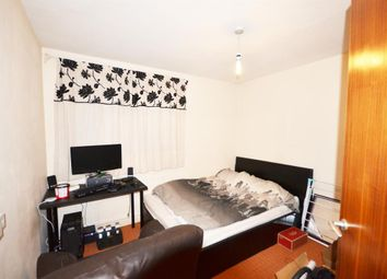Thumbnail 2 bed flat to rent in Lulworth Avenue, Wembley