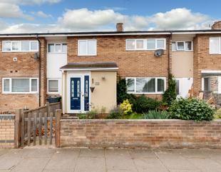 Thumbnail 3 bed terraced house for sale in Oaks Cross, Stevenage