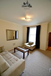 Thumbnail Flat to rent in Hatherley Grove, London