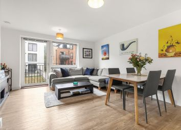 Carney Place, London SW9. 2 bed flat