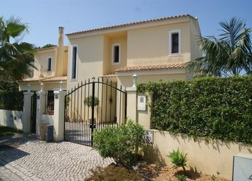 Thumbnail 4 bed villa for sale in Portugal, Algarve, Vilamoura