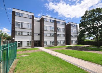 Thumbnail 4 bed flat to rent in Tennyson Road, Romford