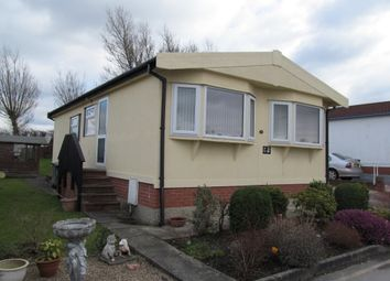 Thumbnail 2 bed mobile/park home for sale in Poplar Drive, Tupton, Chesterfield, Derbyshire
