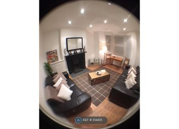Thumbnail 1 bed flat to rent in West Kensington, London
