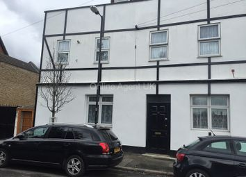 Thumbnail 1 bedroom flat to rent in Cemetery Road, London, Greater London.