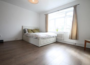 Room to rent in Attleborough Court, Sydenham Hill SE23