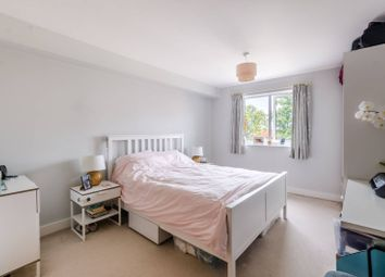 3 bed flat for sale in Limerick Close, Balham, London SW12
