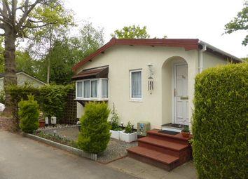 Thumbnail 2 bed mobile/park home for sale in Fangrove Park, Lyne, Chertsey