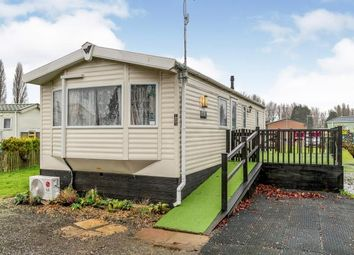 2 bed mobile/park home for sale in Mallard Pastures, Northampton, Northamptonshire NN3
