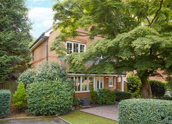 Buxton Place, Caterham, Surrey CR3. 4 bed detached house