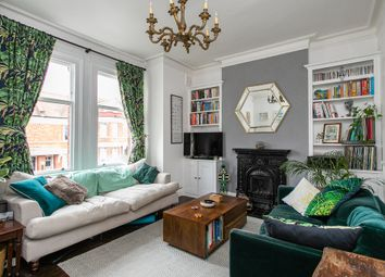 Thumbnail Flat for sale in Barcombe Avenue, London