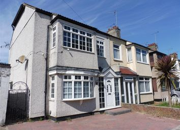 Thumbnail 4 bedroom property to rent in Seaforth Grove, Southend-On-Sea