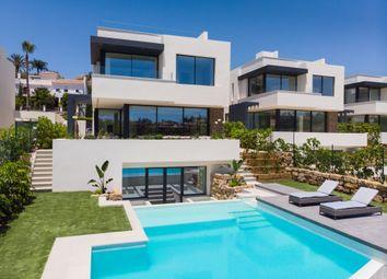 Thumbnail Villa for sale in El Campanario, Estepona, Malaga