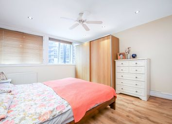 Warwick Road, Kensington, London W14. 1 bed flat
