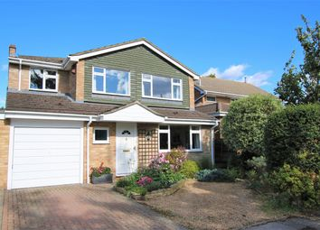 1 Harmar Close, Wokingham, Berkshire RG40. 4 bed detached house