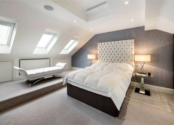 2 bed mews house for sale in Drayson Mews, Kensington, London W8