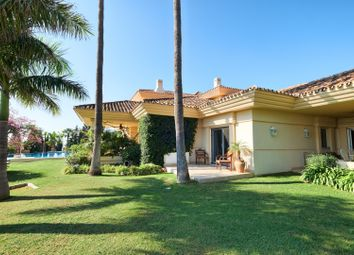 Thumbnail 7 bed villa for sale in Spain, Andalucia, Nueva Andalucia, Ww1166