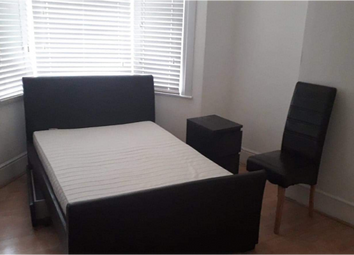 Room to rent in Nags Head Road, Ponders End, Enfield EN3