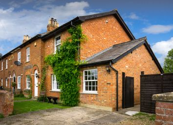 Thumbnail 4 bedroom cottage for sale in Rowsham Road, Bierton, Aylesbury